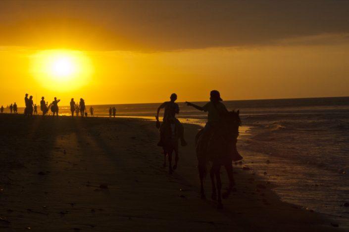 Sud America. Spiaggia di Mancora, Perù