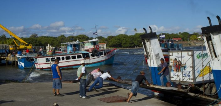Panama-Vancouver. Barca per isola Omepete, Nicaragua