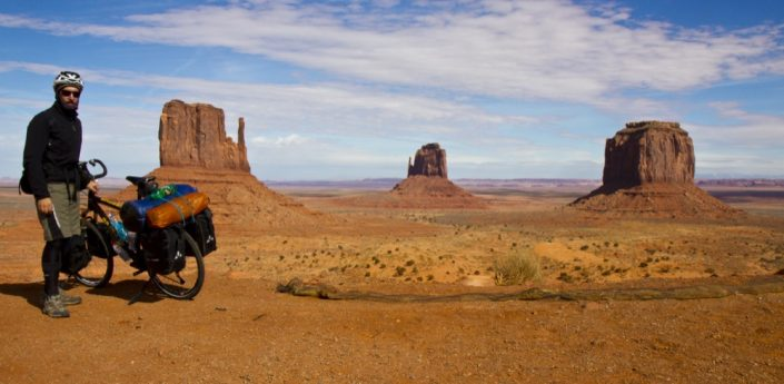 Panama-Vancouver. Monument Valley, USA